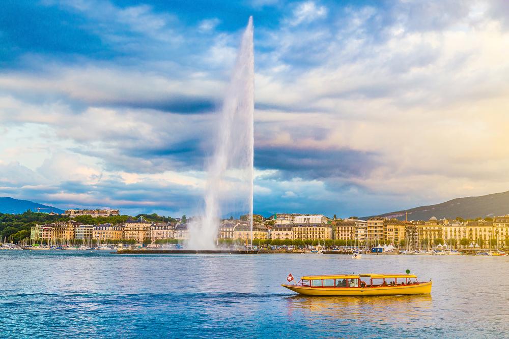 Une belle vue sur le jet d'eau de Genève